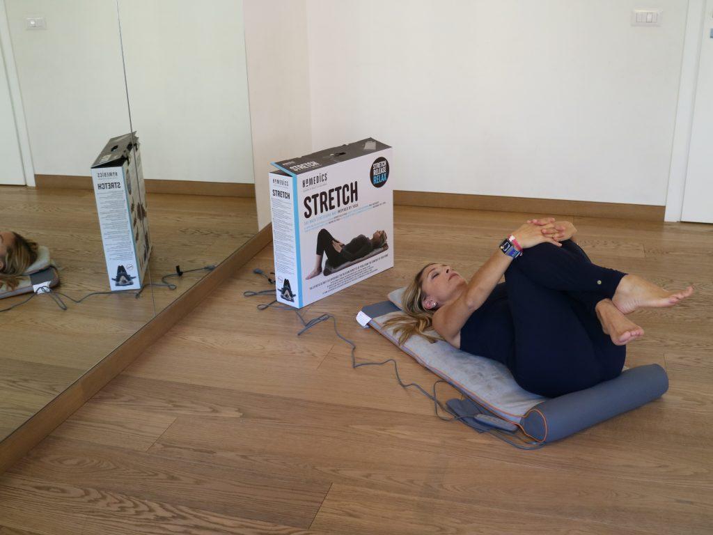 Homedics Stretch, ginocchia raccolte