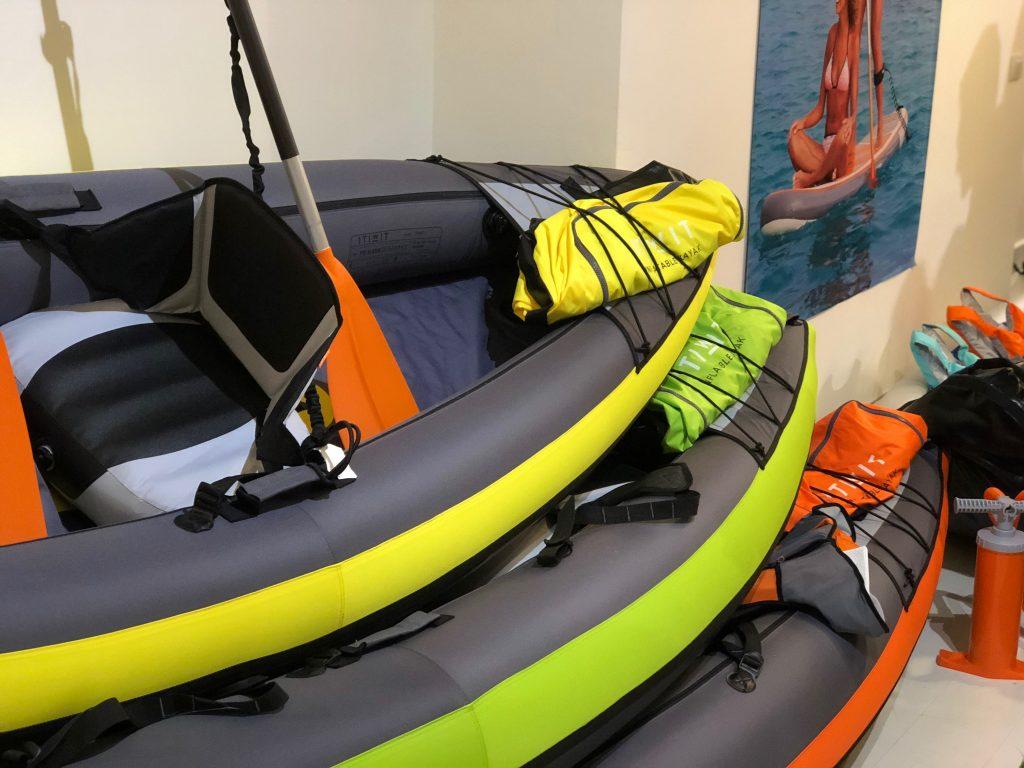 Le tre canoe Decathlon, nelle tre misure sovrapposte
