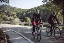 Daniela Schicchi pedala in Spagna sulla bici Ultra Endurance Woman di Btwin