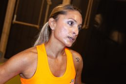 Daniela Schicchi, sudata e stanca dopo aver terminato la sessione di allenamento con il Metodo Natked